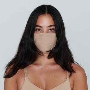 NEW - Skims Clay Seamless Face Mask